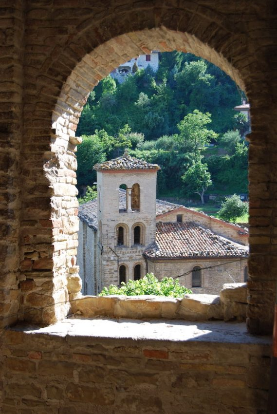 un vascello di pietra: Serra San Quirico