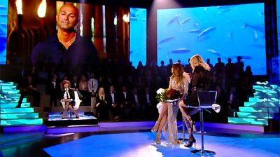 Dayane Mello fiori in diretta tv da parte di Bettarini