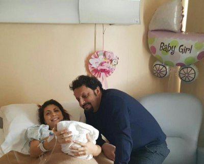 Enrico Brignano e Flora al settimo cielo per la nascita della figlia