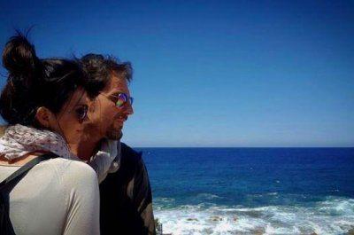 Laura Torrisi  baci bollenti in spiaggia con Luca Betti