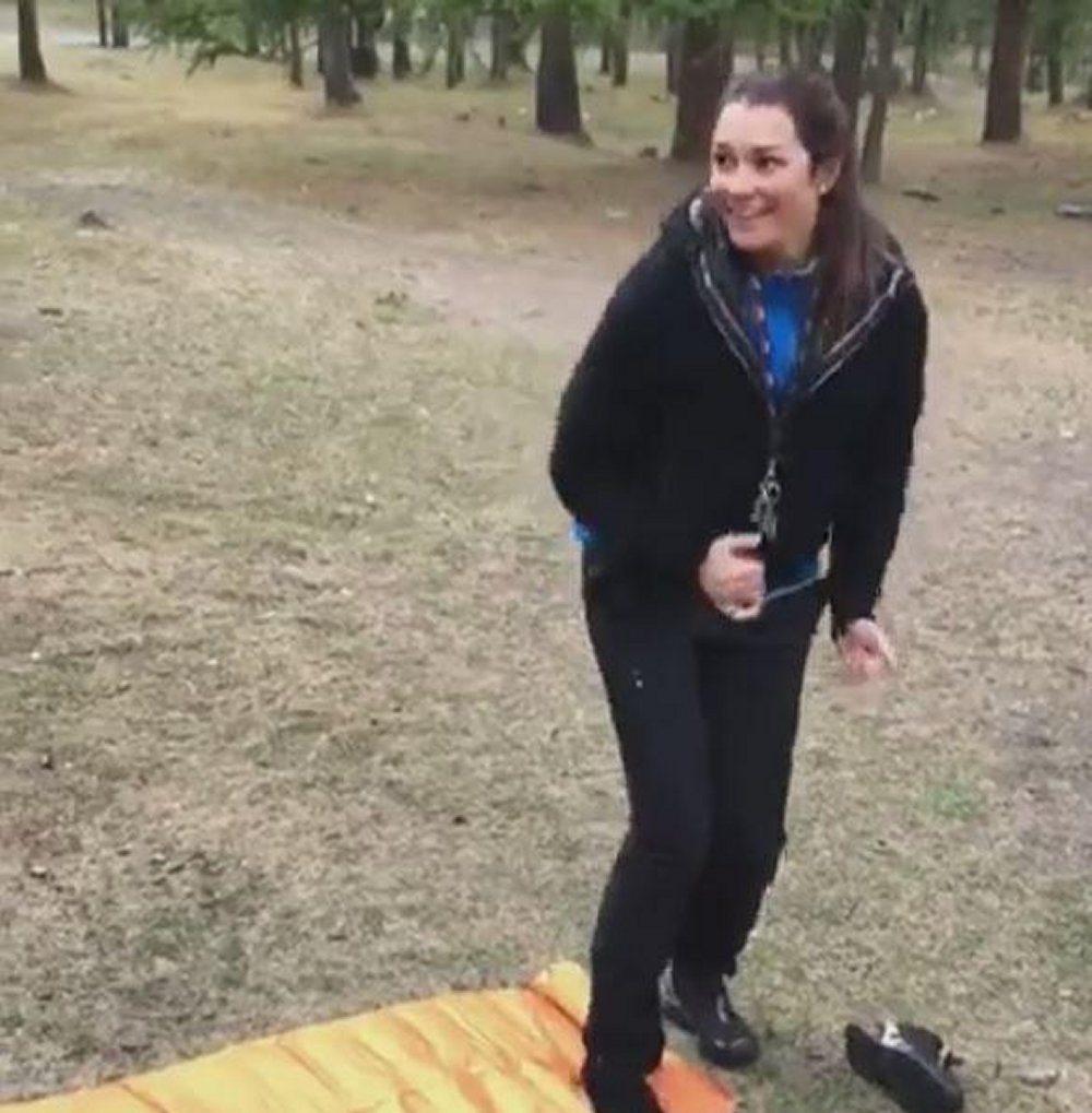 Alena Seredova fine settimana in tenda con i figli