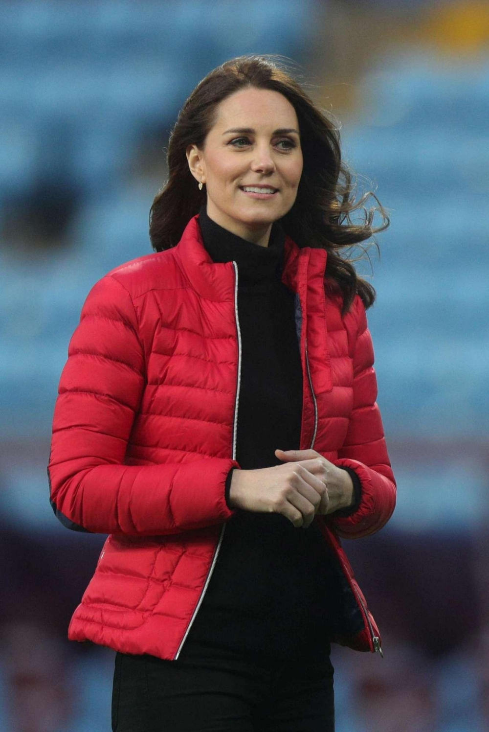 Kate Middleton mette in evidenza il suo pancino
