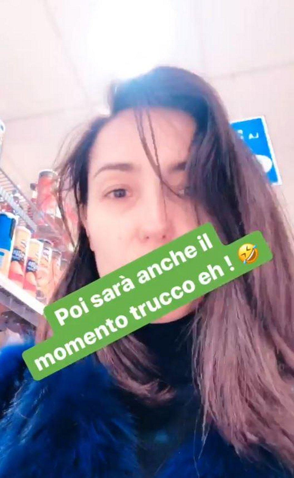 Caterina Balivo senza trucco al supermercato