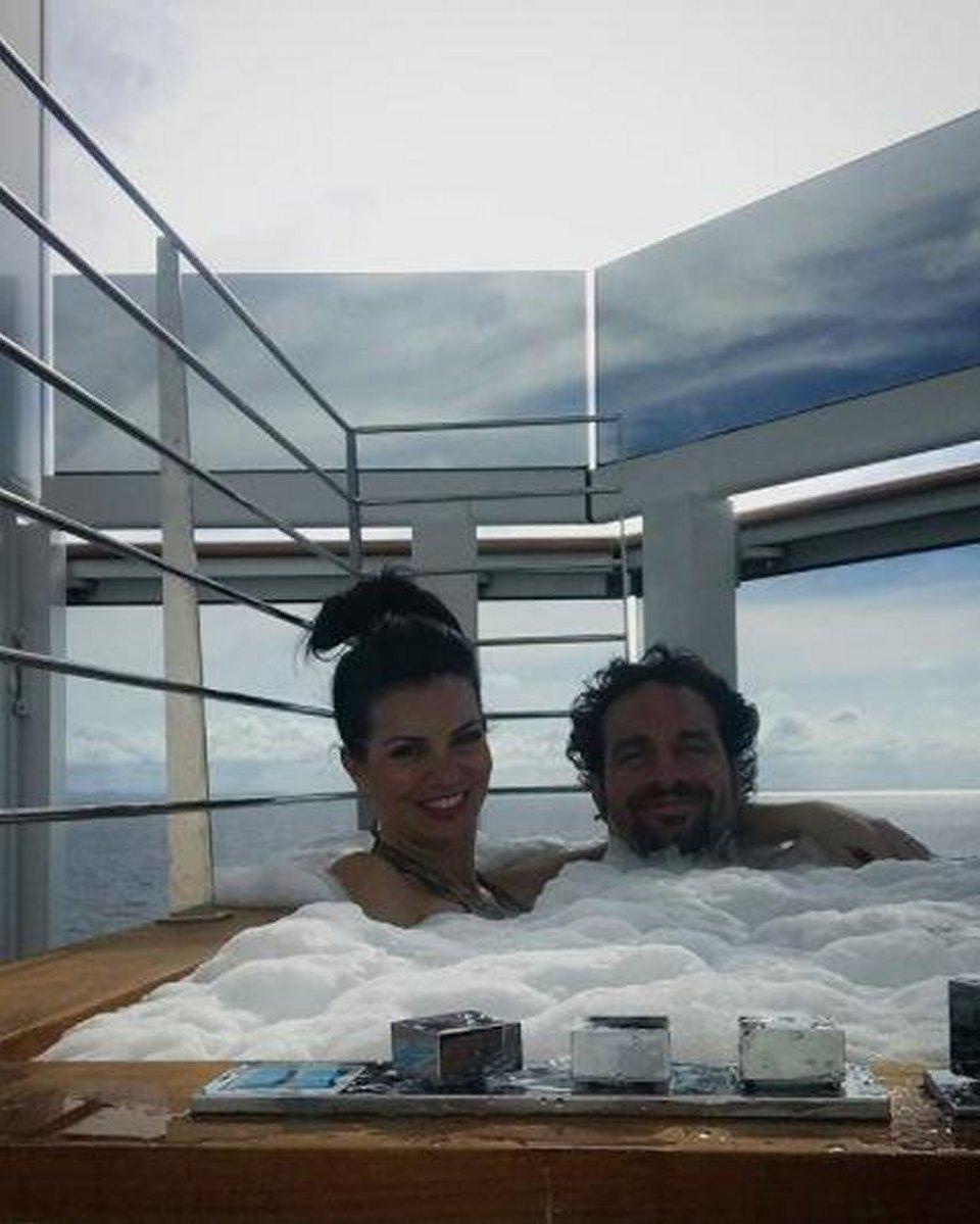 Vacanze alle Isole Cayman per Laura Torrisi e Luca Betti