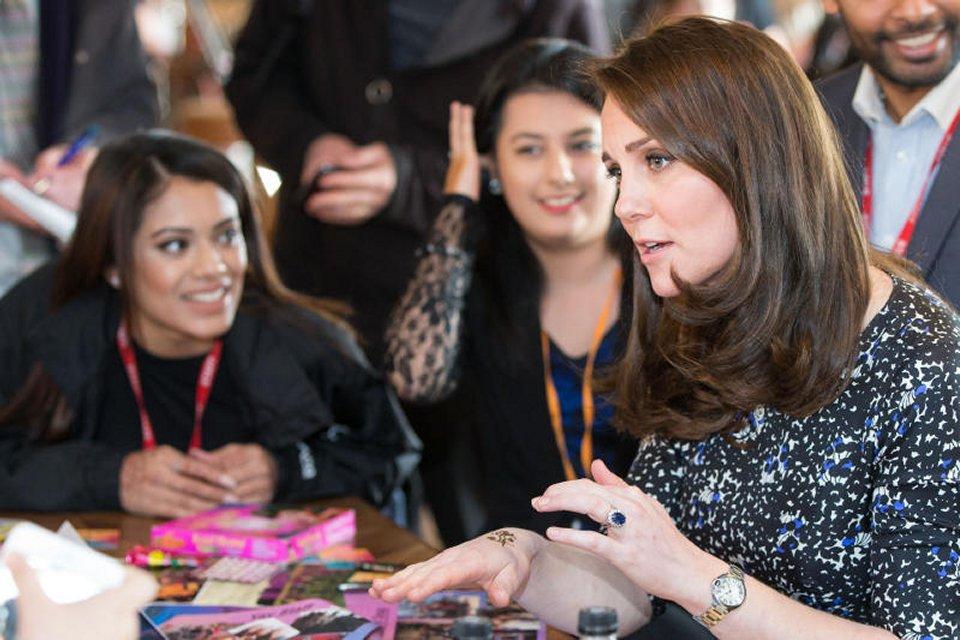 Kate Middleton spunta un tatuaggio sulla mano