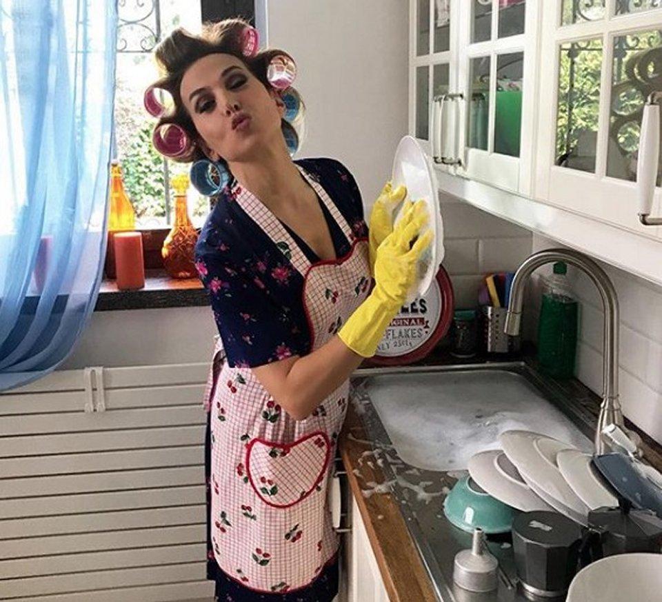 Barbara D'Urso in versione casalinga arrivano le critiche