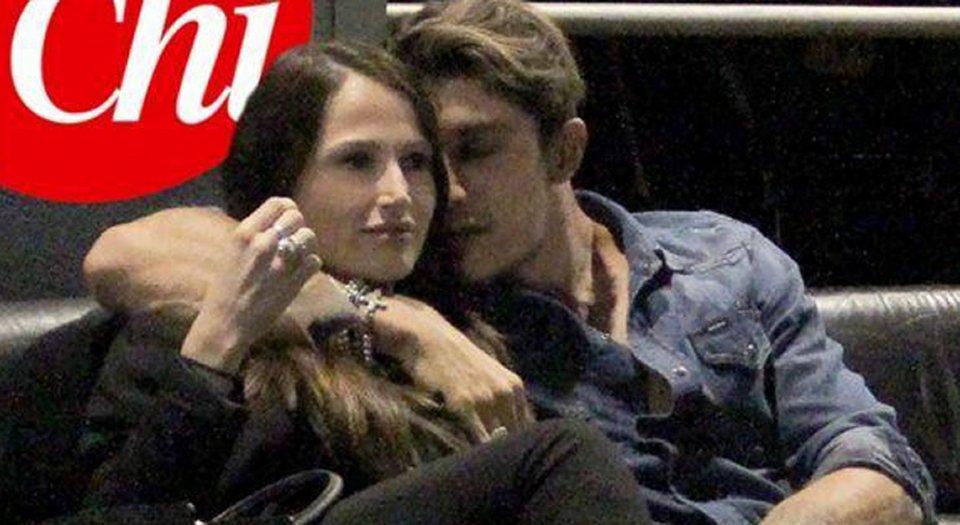 Andrea Iannone paparazzato con una ragazza misteriosa
