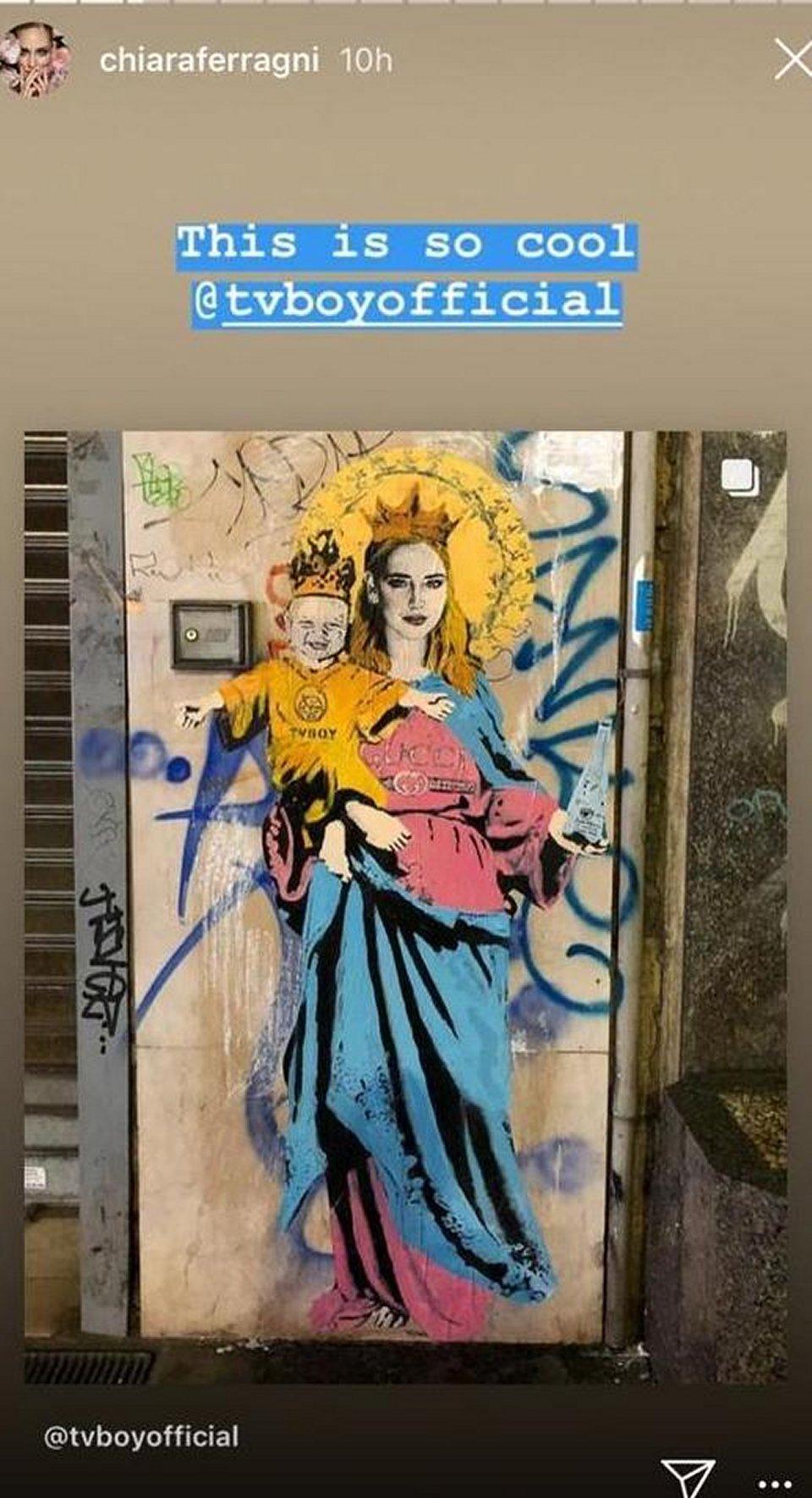 A Milano spunta un murales di Chiara Ferragni e il figlio Leone