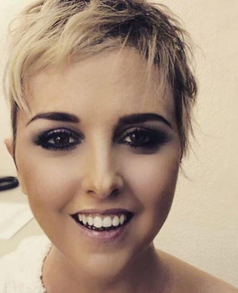 Nadia Toffa sui social si mostra senza parrucca
