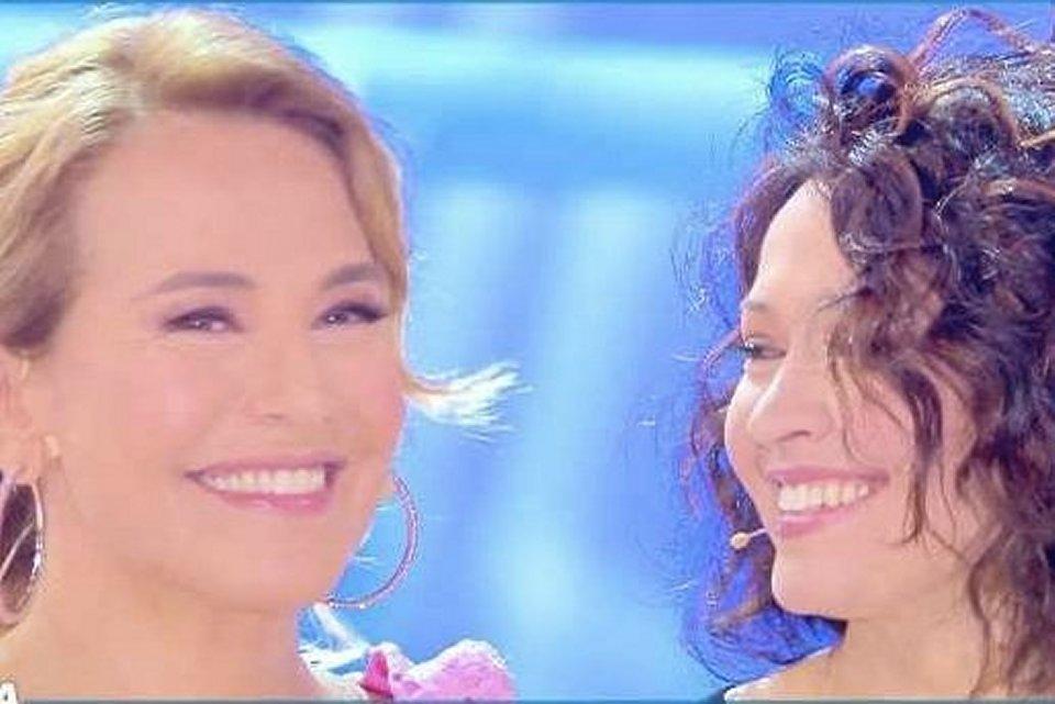 Barbara D'Urso piange mentre intervista la sorella Eleonora a Domenica Live