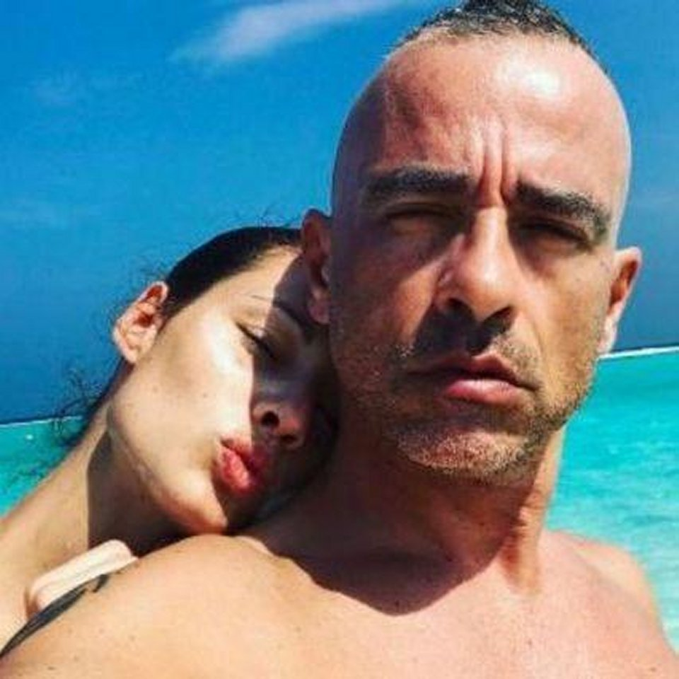 Eros Ramazzotti e Marica Pellegrinelli scoppia la passione alle Maldive