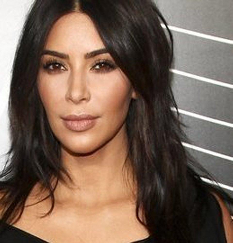 Kim Kardashian presa di mira sul look esagerato per la piccola North