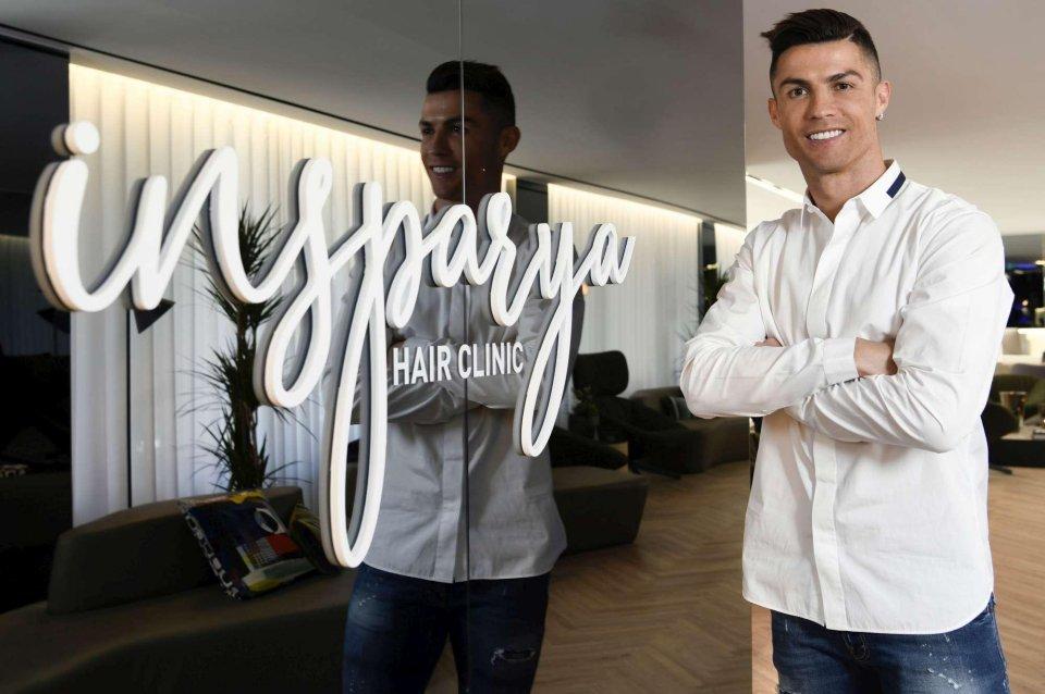Cristiano Ronaldo a Madrid apre una clinica per il trapianto di capelli