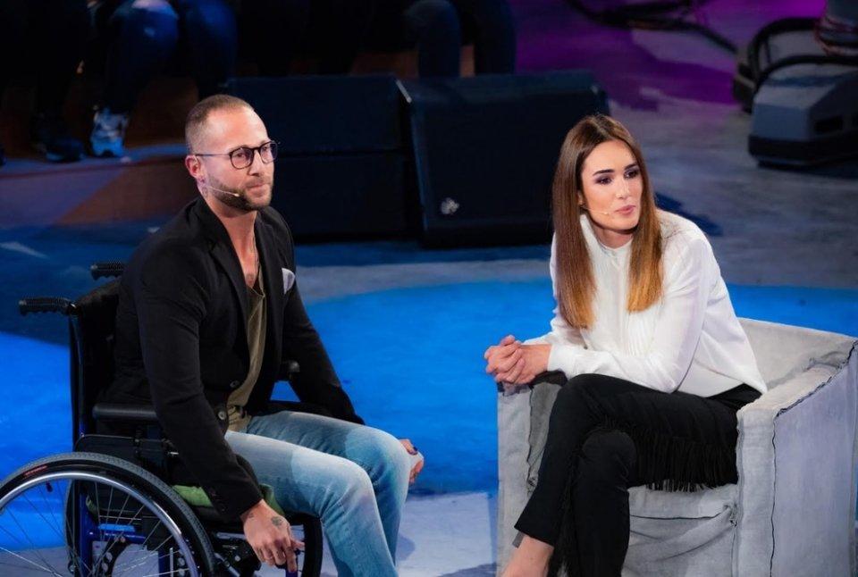 Amici l'ex ballerino Ivan Cottini è affetto da sclerosi multipla