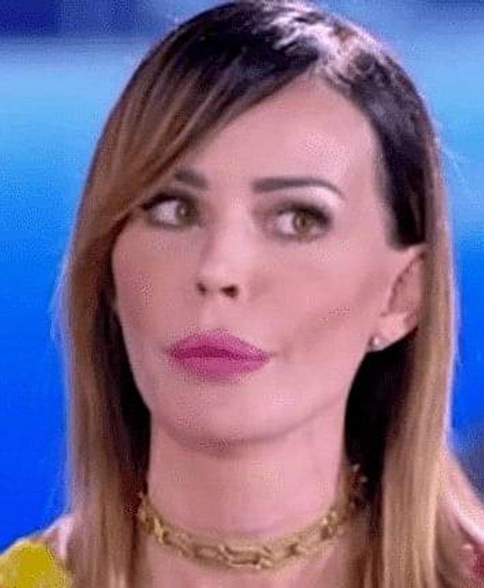 Nina Moric sono stata attaccata da un batterio che mangia la carne