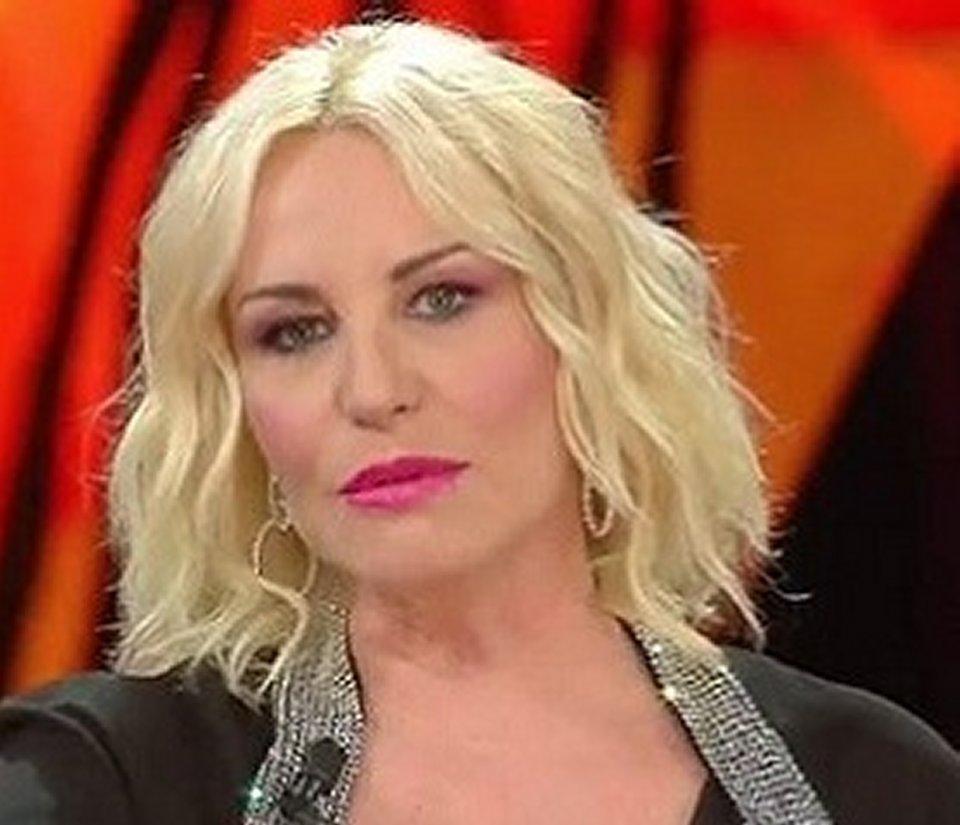 Antonella Clerici frecciatina alla Rai senza lavorare vengo pagata