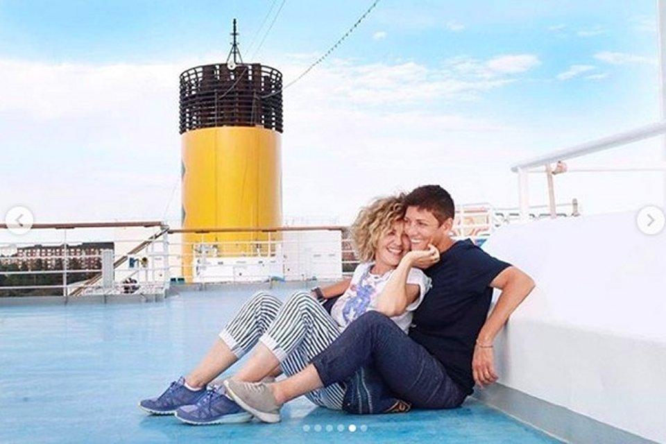 Eva Grimaldi pubblica le foto del viaggio di nozze con Imma Battaglia