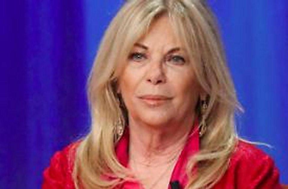 Rita Dalla Chiesa difende la Cuccarini e critica Heather Parisi