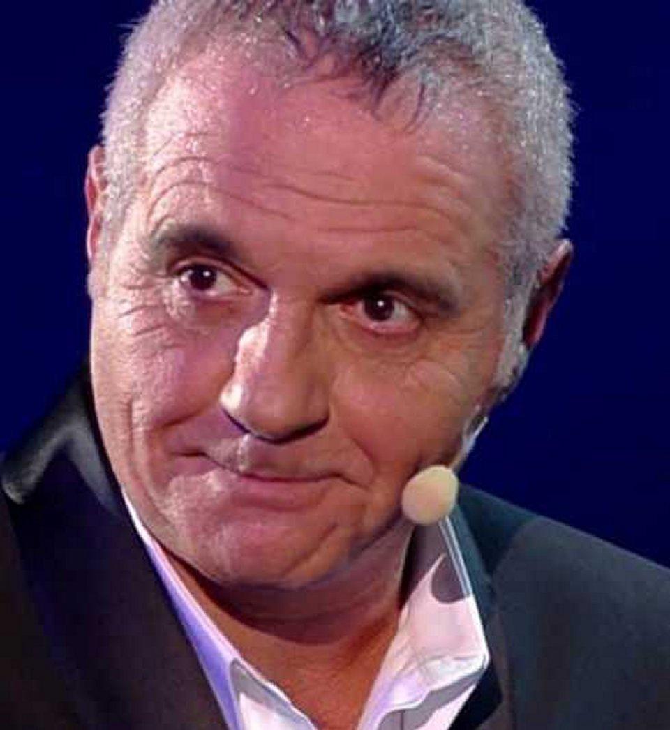 Giorgio Panariello in lacrime dalla Venier non ho mai conosciuto i miei genitori