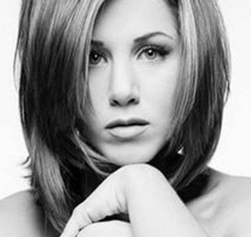 Jennifer Aniston una sua foto in bianco e nero messa all'asta per beneficenza