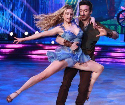 Ballando con le Stelle, le esibizioni della quinta puntata: e Martina Stella…