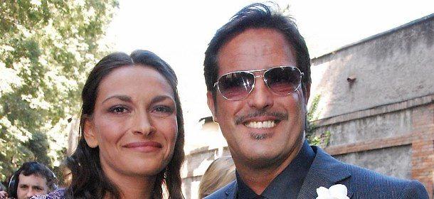 """Marco Baldini, la ex moglie si sfoga in diretta dalla D'Urso: """"Mi ha rovinato la vita con i debiti"""""""
