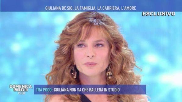 """Giuliana De Sio, dall'amore hippy ai ventenni: """"Non mi faccio mancare niente"""""""