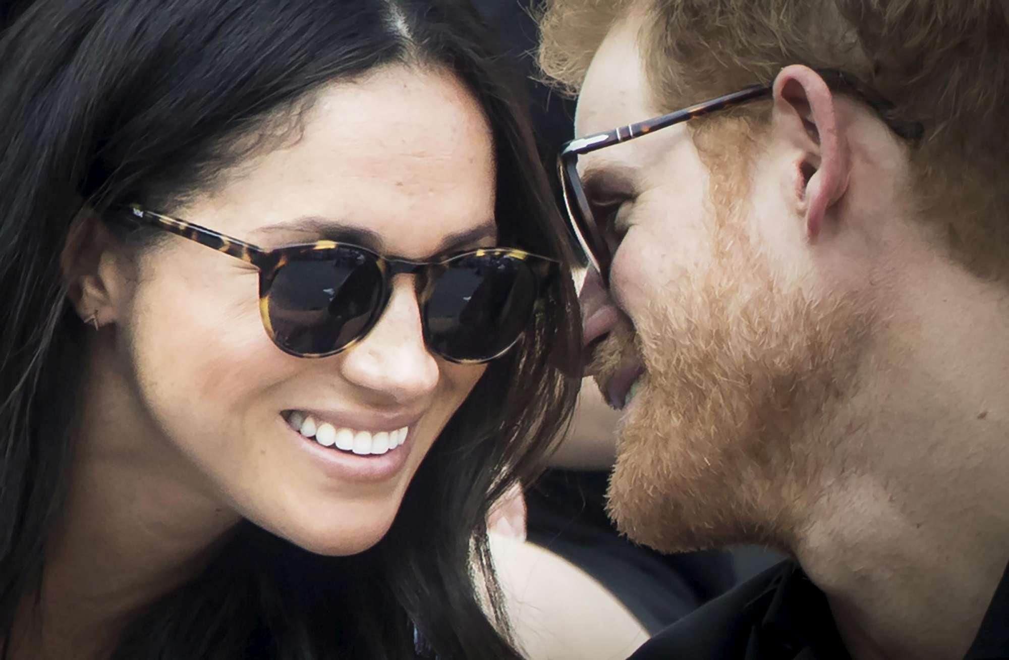 Il principe Harry e Meghan Markle mano nella mano a Toronto