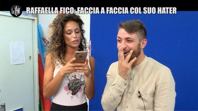 """""""Le Iene"""", l'hater di Raffaella Fico si scusa: """"Non ho niente contro di te"""""""