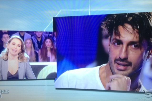 Fabrizio Corona contro l'inviata di Pomeriggio 5: