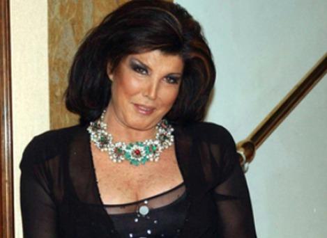 Il dramma di Patrizia De Blanck: «Ho rischiato di morire, il pus mi ha sfigurato»