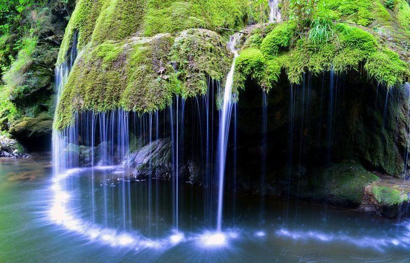 La cascata incantata esiste davvero: così bella che sembra creata dalle fate