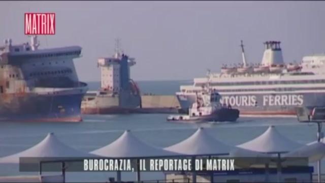 Bari, gli ecomostri invadono la città per colpa della burocrazia italiana