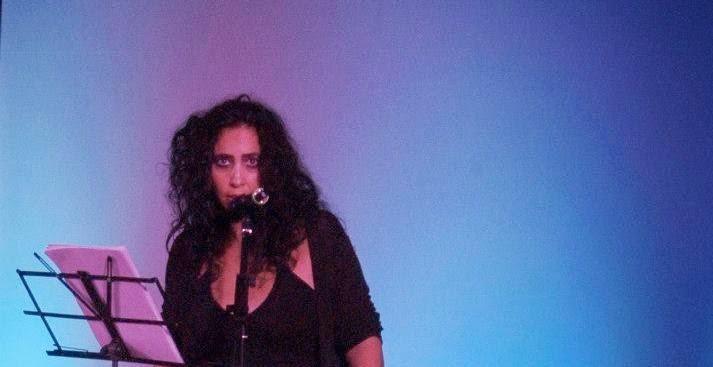 Giovanna Mulas, l'orgoglio e la dignità della Poesia e del Poeta... e la sua nuova opera.