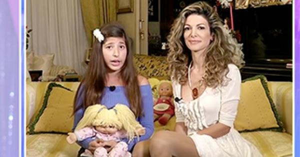Maria Monsè e Perla Maria da Barbara D'Urso, bagarre in studio: «Stai rovinando tua figlia». La bambina: «Ho girato un film»