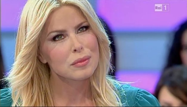 """Loredana Lecciso: """"Il bacio tra Al Bano e Romina? Ecco cosa penso...""""."""