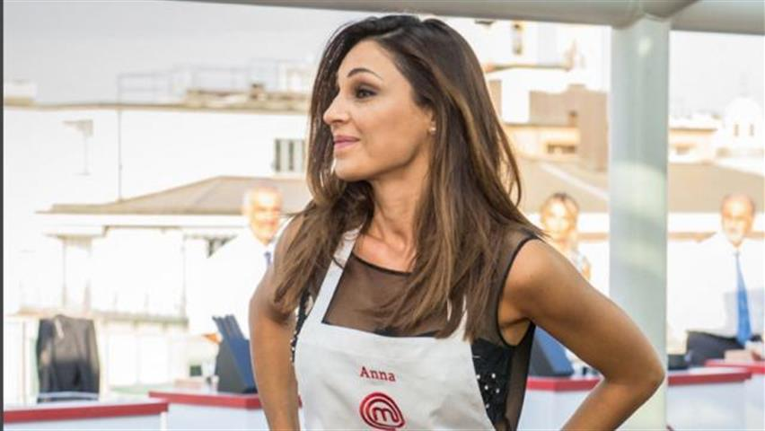 Anna Tatangelo a Celebrity Masterchef, la dedica per Gigi D'Alessio: