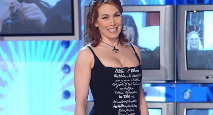 Grande Fratello, Barbara D'Urso: «Qui le conversazioni hot tra Simone Coccia e Lucia Bramieri»