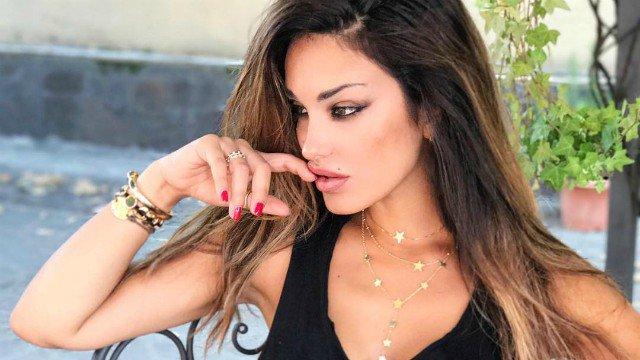 Rosa Perrotta respinge le accuse: «Non chiamatemi rifatta»