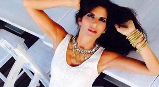 Pamela Prati: «Mi sposo a maggio, le nozze saranno in chiesa». Lo sfogo a Verissimo