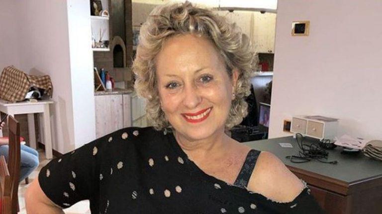 Carolyn Smith e la lotta col tumore: «Di nuovo chemioterapia, continuo a combattere ma dopo 4 anni è dura»