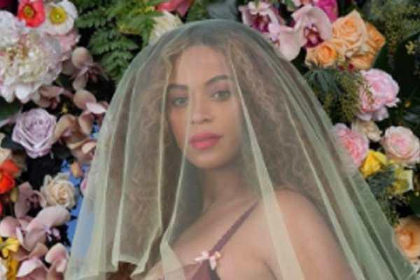 Beyoncé mamma, nati i due gemelli: svelato il sesso dei due neonati