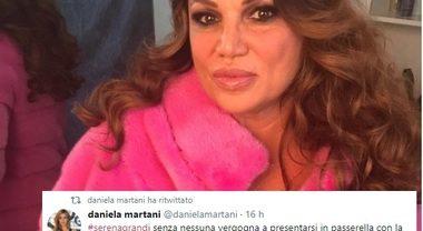 """Grande Fratello Vip, Daniela Martani contro Serena Grandi: """"Bugiarda, quella pelliccia è vera!"""""""