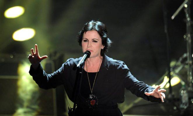 """Addio a Dolores O' Riordan, voce dei Cranberries: """"Morta all'improvviso a Londra"""""""