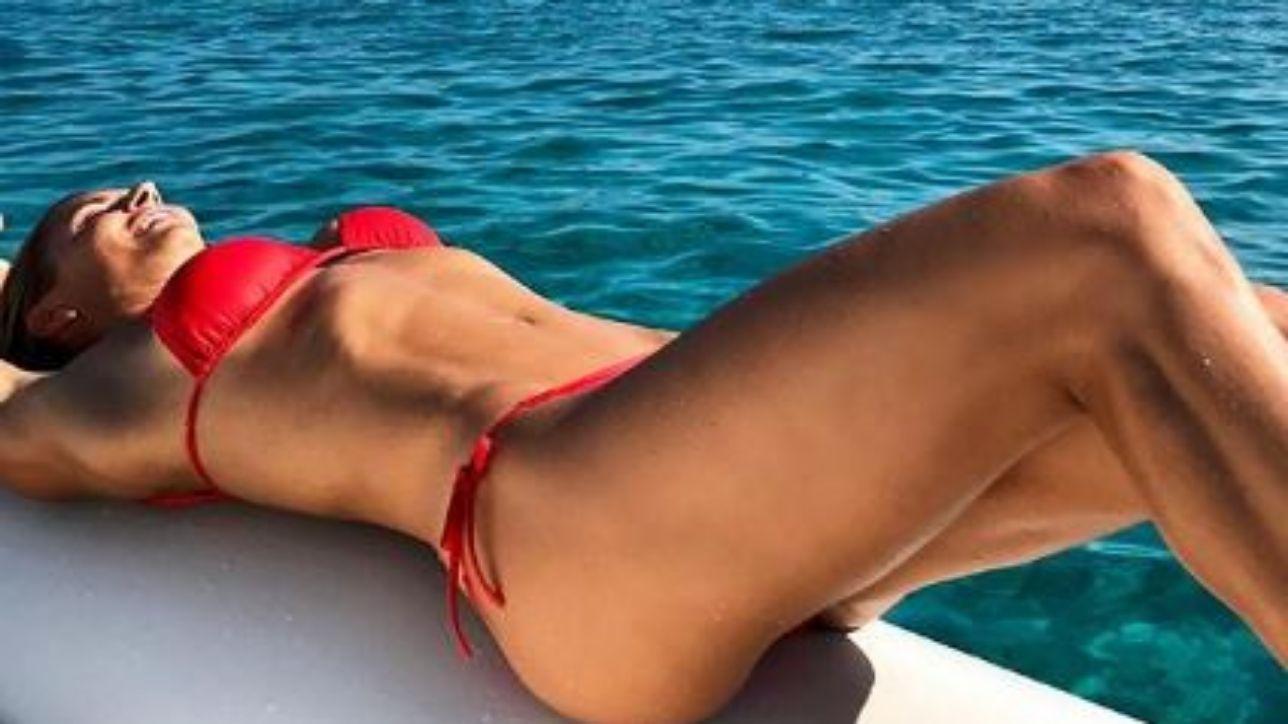 Martina Colombari, che bella vita in Sardegna