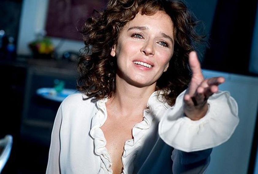 Valeria Golino sul set di Rain Man: «Tom Cruise? Mi portava dei regalini, bigliettini, era galante…»