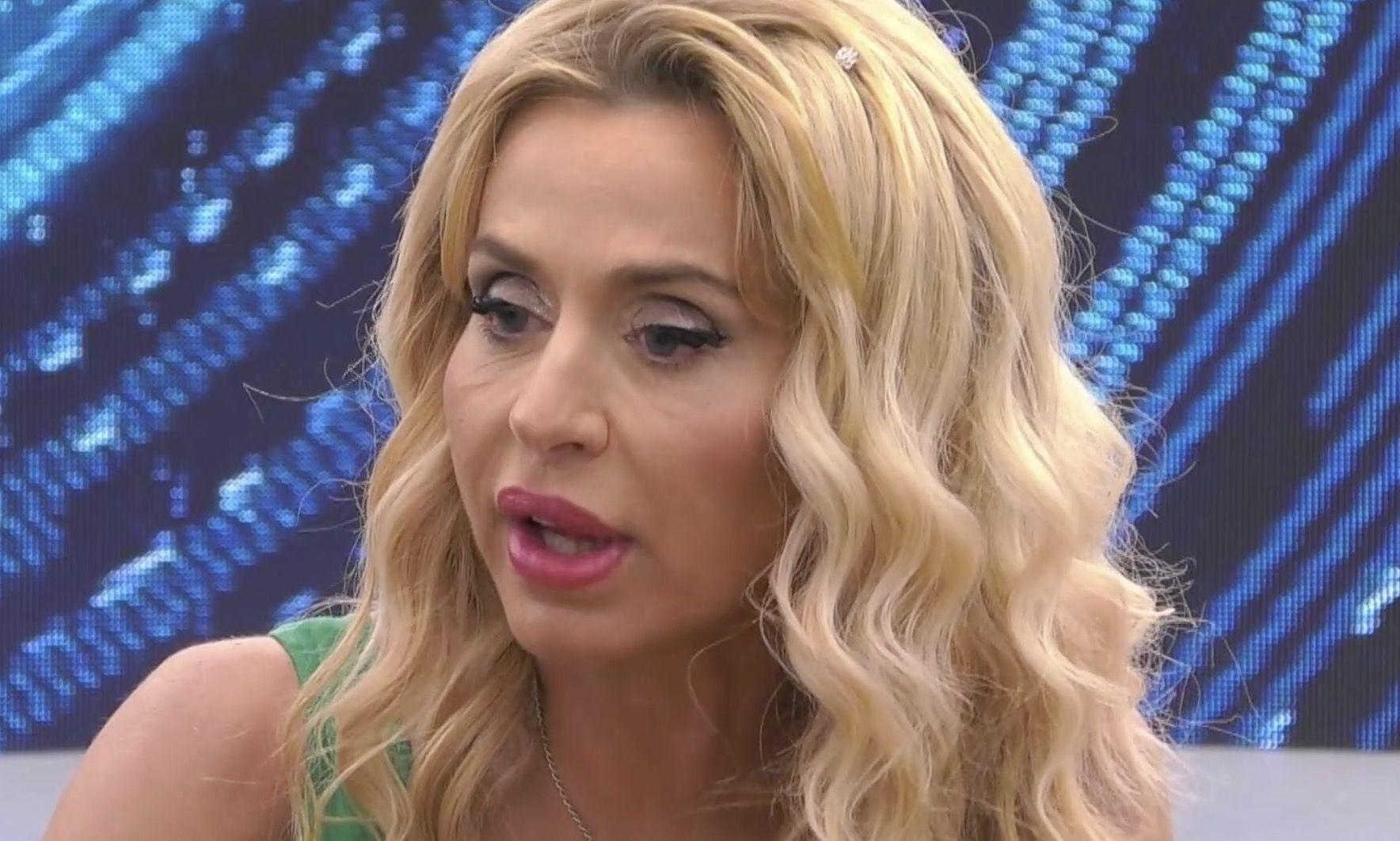 Grande Fratello Vip 2020, Antonio Zequila e Antonella Elia offendono Valeria Marini: «E' un cesso»