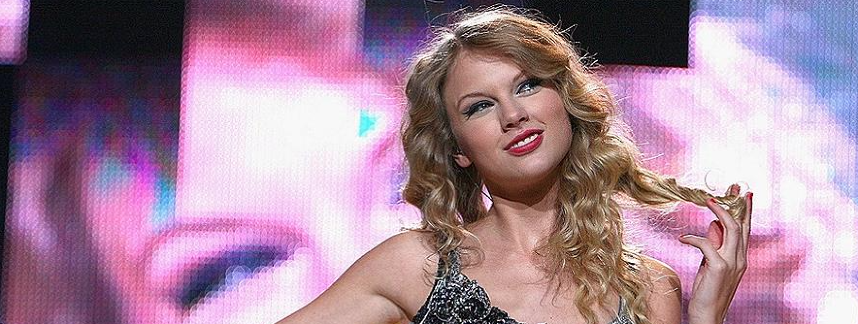 Taylor Swift al primo posto della classifica U.S., UK, Canada, Australia