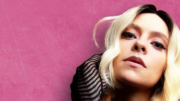 FRANCESCA MICHIELIN: Annuncia Live - FUORI DAGLI SPAZI, le prime date del tour estivo della cantautrice