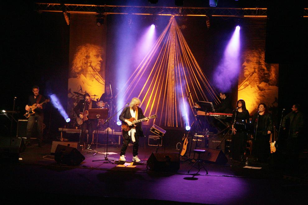 Il cantautore Gianfranco Caliendo torna in pista con la Miele Band, e sono nuovamente...